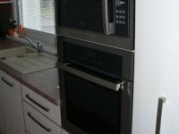 Paneláková kuchyně s vestavěnými spotřebiči